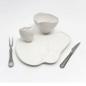Higado dinner plate+cup+cutlerywhite